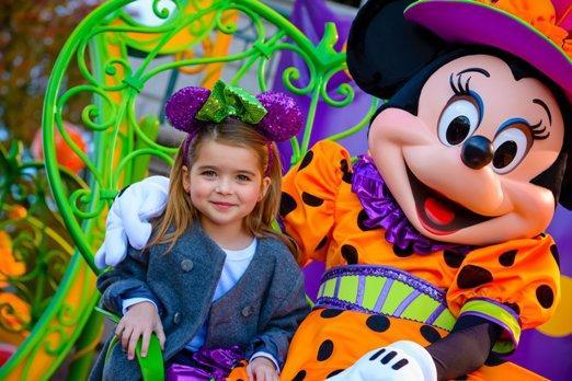 Disneyland csoportosan párizsi városnézéssel (szeptember)