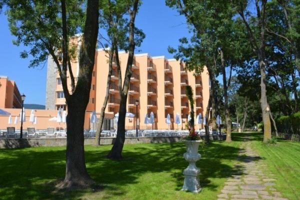 Hotel Riva Park **** - buszos nyaralás