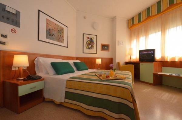 Hotel Luna **** - buszos nyaralás