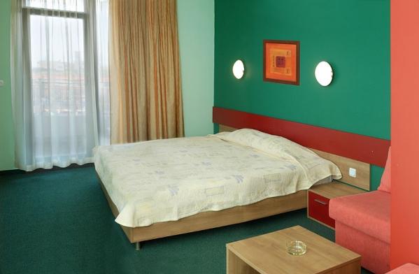 Hotel Kiparisite **** - buszos nyaralás