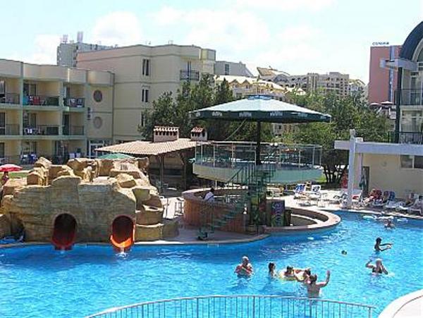 Hotel Sunny Day Club *** - buszos nyaralás