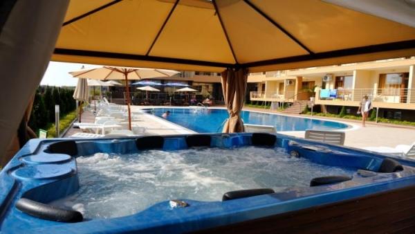 Hotel Iris Nessebar *** - buszos nyaralás