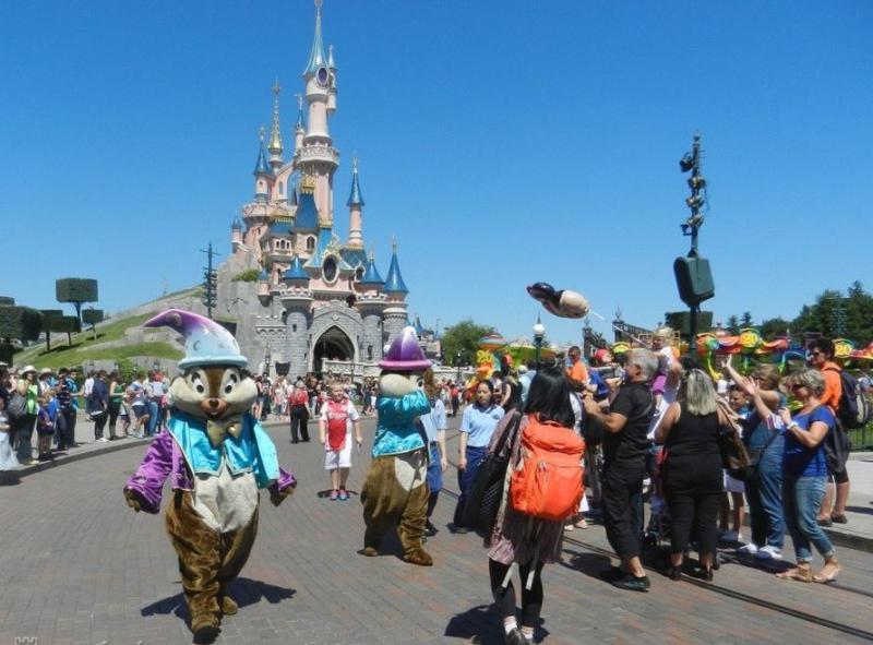 Párizs, Versailles, Disneyland I.