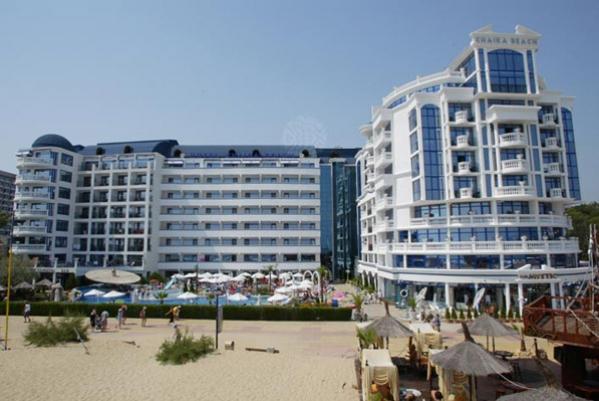 Chaika Beach Resort *** (Busz)