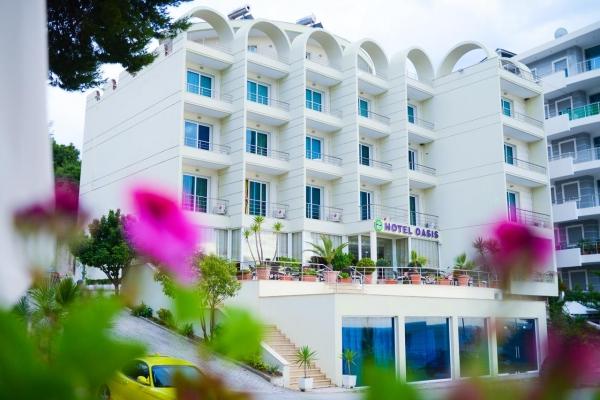 Hotel Oasis **** - Nyaralás Saranda-n
