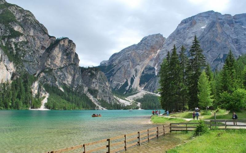 Advent Dél-Tirolban kirándulással a Dolomitok fenséges hegyvilágába