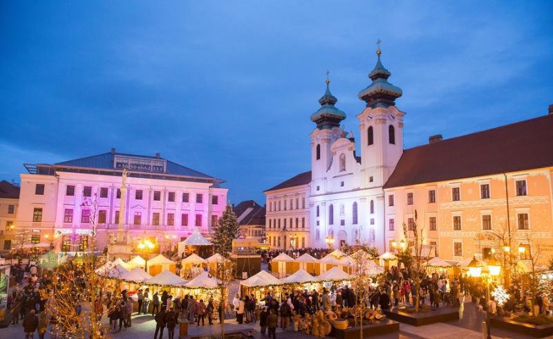 Advent fényei Pannonhalma és Győr