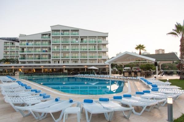 FALCON HOTEL ****