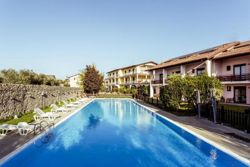 Splendid Sole Hotel- Manerba Del Garda *** - Szállás a Garda-tónál