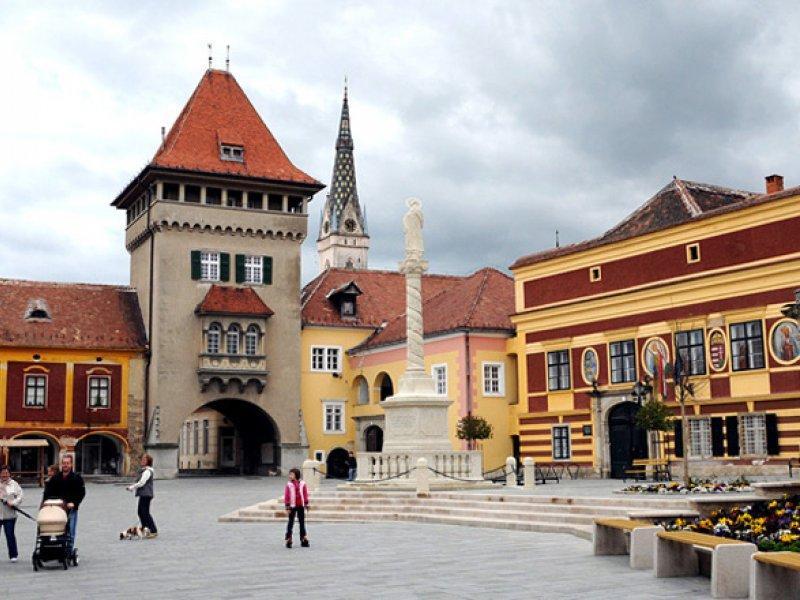 Kőszeg és Sopron látnivalói borkóstolóval, ebéddel, kisvonatozással