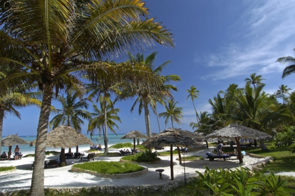 Zanzibár - Breezes Beach Club ***** - Bwejuu Beach (Egyéni) *****