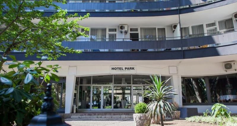 Montenegroi nyaralás busszal - Park Hotel *** - Budva