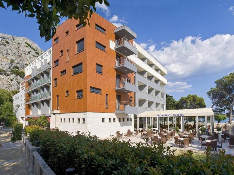 Hotel Plaza **** - Nyaralás Omisban