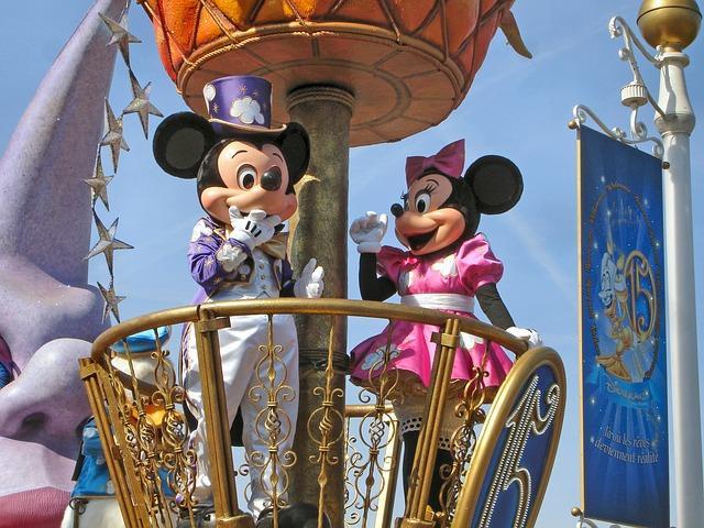 Disneyland Hotel ***** - Szállás és parkbelépő csomag Disneyland Párizs - 2020. nyári előfoglalás!